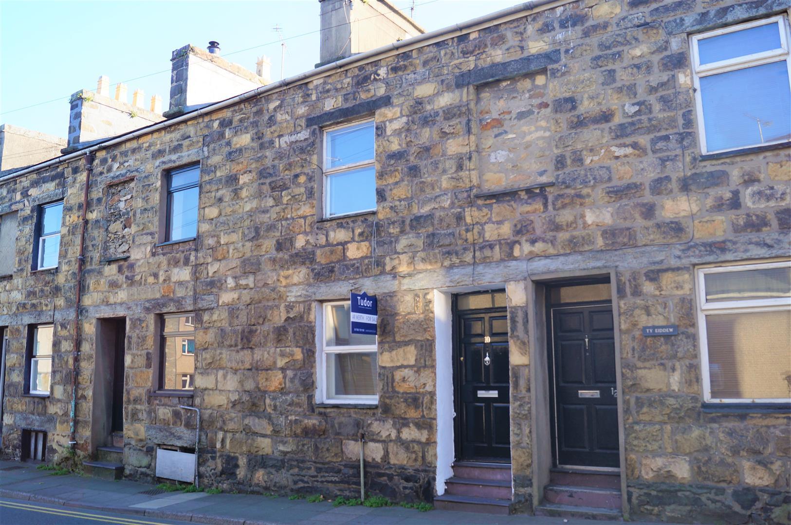 High Street, Pwllheli - £114,000